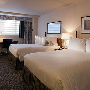 State Plaza Hotel, Washington Deluxe 2 Queens Room